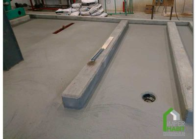 Bases de equipos de condensación protegidas con imper. Cementoso Primer Fase
